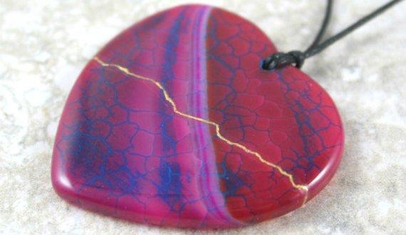 Kintsugi (kintsukuroi) hot pink dragon's veins agate stone heart pendant with gold repair on black cotton cord